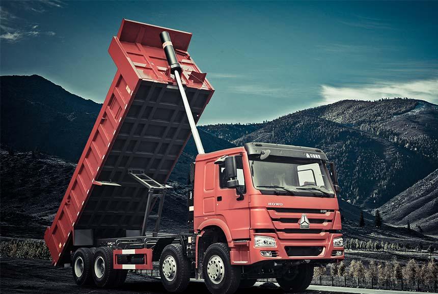 Sinotruk Howo Tipper Truck 8x4 371HP